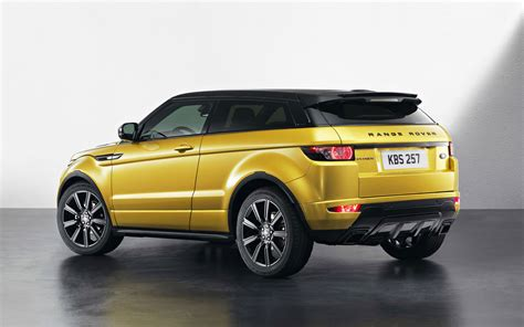 land rover evoque black range rover evoque debuts new black design pack new color