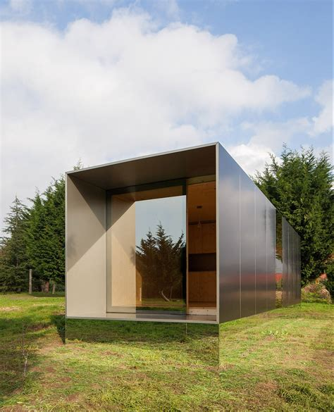 prefab tiny house minimod a prefab off grid house by mapa architects
