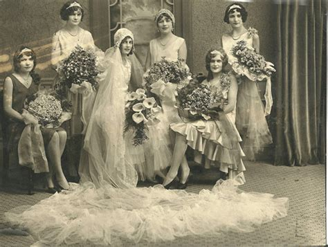 Hochzeit 20er by 20 Fascinating Vintage Wedding Photos From The Roaring 1920s