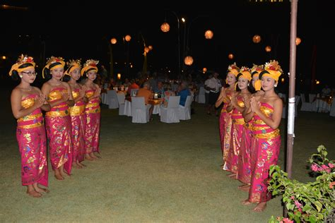 Royal Welcome For The by Royal Dinner Welcome Kalos Golf Cruises
