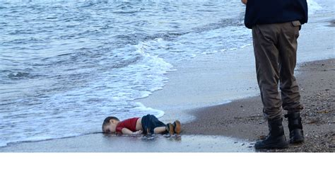la photo symbole de l enfant syrien mort noy 233 bouleverse
