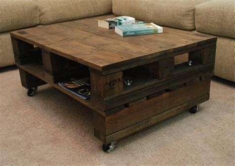 Diy Pallet Coffee Table Wheels Vintage Pallet Coffee Table With Casters Pallet Furniture Diy