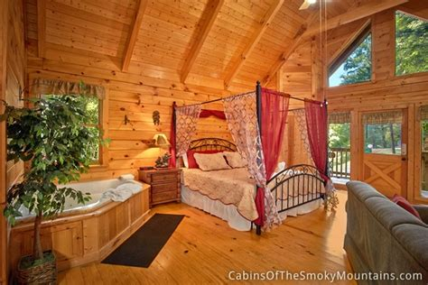 1 bedroom cabins in gatlinburg tn smoky mountains gatlinburg cabin honeymoon magic 1 bedroom sleeps 4