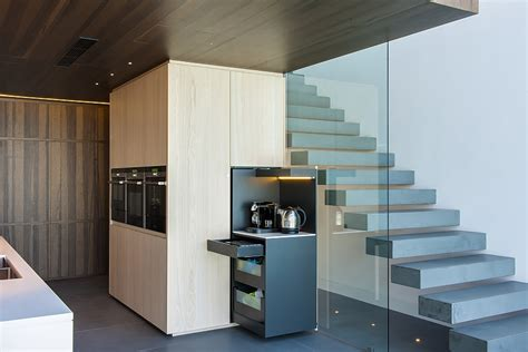 sophisticated contemporary kitchens with cutting edge design modern kitchen in sydney blends cutting edge fashion with