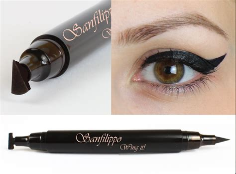 Eyeliner The One an eyeliner and eye wing st all in one tool