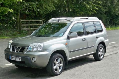 Nissan X Trail 2 5 nissan x trail 2 5 sport photos and comments www