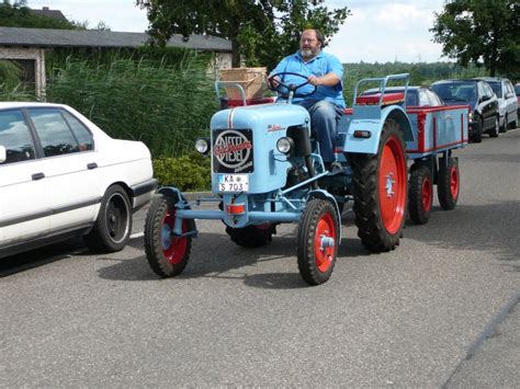 Traktor Oldtimer Lackieren by Eicher 16 Ps Mit Anh 228 Nger In Gleicher Lackierung