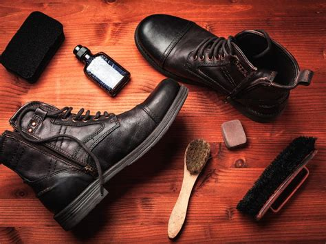 Way To Clean Leather by How To Clean Leather Shoes And Boots Diy