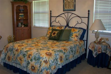 sunflower themed bedroom sunflower guest bedroom treba pinterest