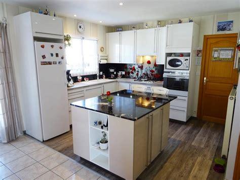 ilot cuisine sur mesure cuisines viaud cuisines meubles 224 gilles croix