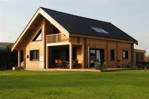 construction en madrier de bois et en bois