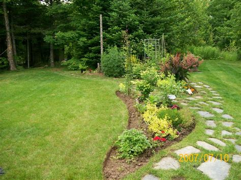 large backyard landscaping 17 best ideas about stepping stone walkways on pinterest
