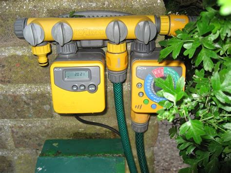 sistemi di irrigazione per giardini irrigazione programmabile giardinaggio sistema di