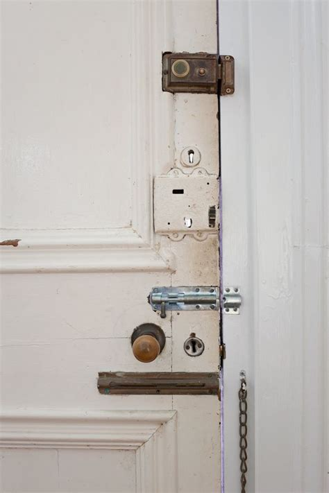 accidentally locked bathroom door cleaners reveal the weirdest scenarios they ve had to deal