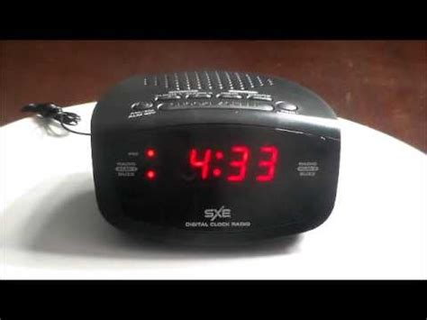 sxe compact electric led dual alarm clock radio with programmable sleep timer