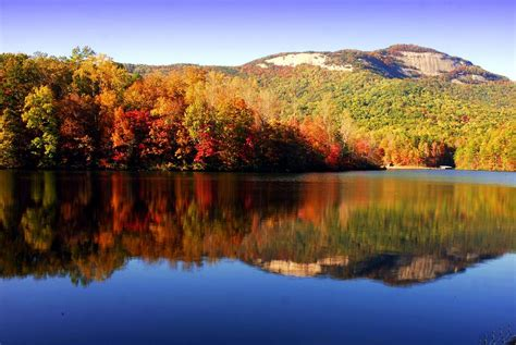 How Big Is Table Rock Lake by Best Places To See Fall Colors And Smash Autumn Bass