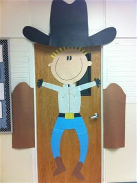 Cowboy Door Decorations by 1000 Ideas About Cowboy Bulletin Boards On
