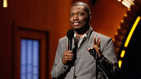 michael che knitting factory michael che to perform sold out show for planned parenthood