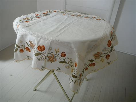 Vintage Embroidered Tablecloth Shabby Chic Cream With Lace Vintage Table Cloth