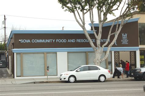 Sova Food Pantry by Sova Serves More Than 11 000 In Record Month Park Labrea