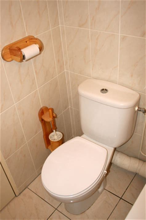 Foul Smell Coming From Bathroom by How To Remove Urine Smell From A Bathroom Ehow Uk
