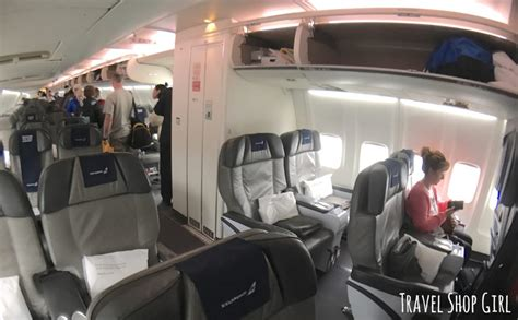 icelandair comfort class 10 things you should know about icelandair economy comfort