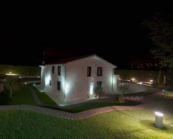 illuminazione casa esterno come illuminare l esterno idee e consigli sull illuminazione