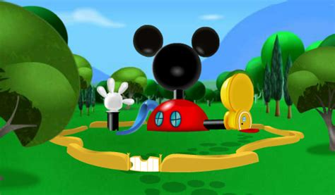 mickey mouse club house crafting baker mickey s clubhouse cake