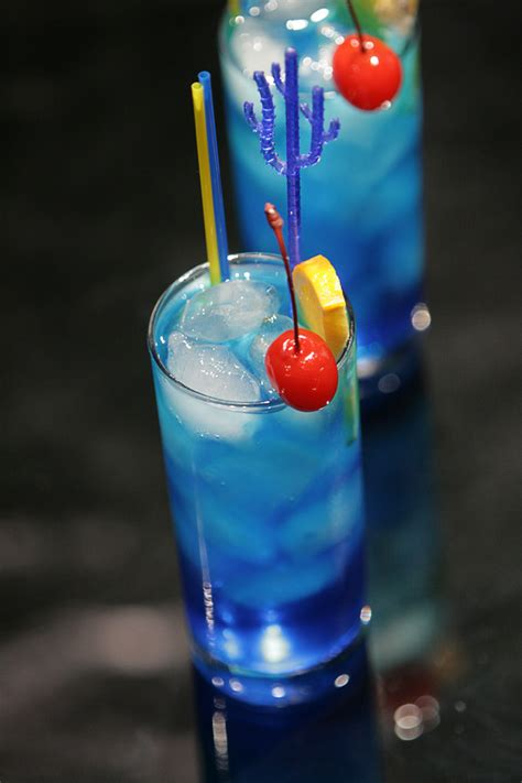blue cocktails blue lagoon science of drink