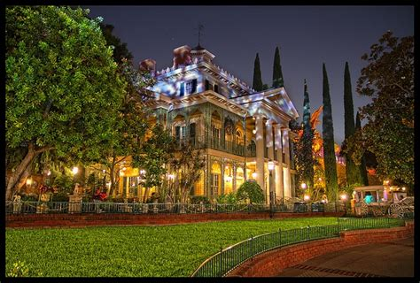 haunted house disneyland haunted house on a hill disneyland ca yes i am a disney geek
