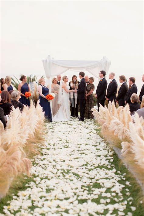 wedding aisle on grass 42 ways to use pas grass at your wedding weddingomania