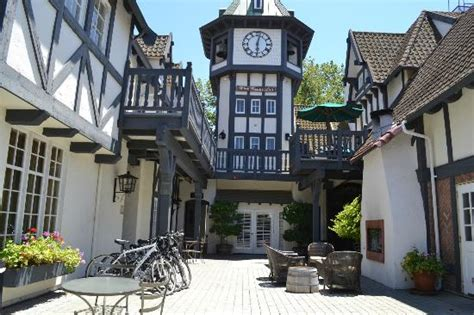 clock tower front picture of wine valley inn cottages