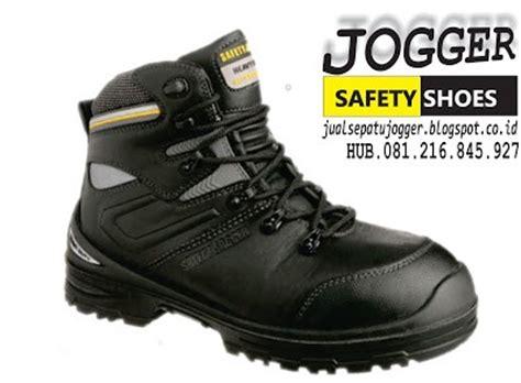 Sepatu Safety Stand sepatu safety jogger original premium s3 hro distributor