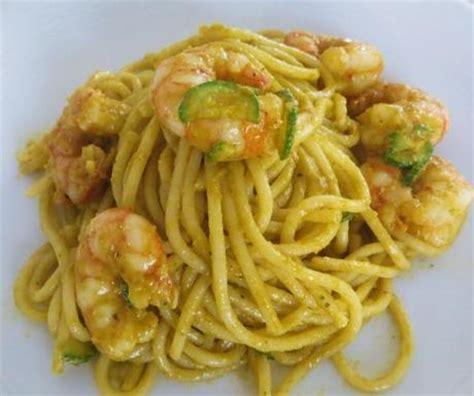 pasta coi fiori di zucca spaghetti con gamberi e crema di fiori di zucca paperblog