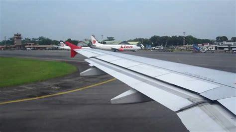 airasia jakarta medan fine landing indonesia air asia airbus a320 200 in medan