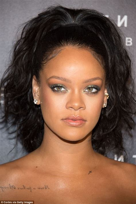 rihanna eye color femail details how to copy colorful eyeliner like rihanna