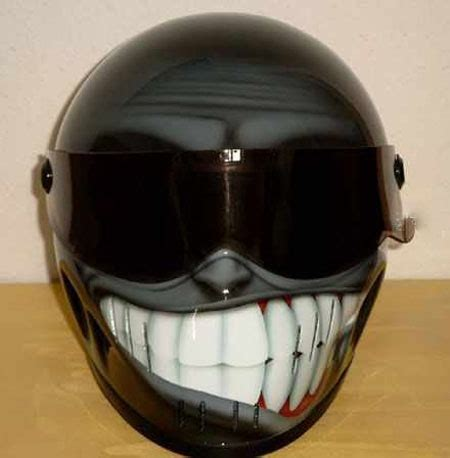 Top 10 creative motorcycle helmet designs   08. Simpson