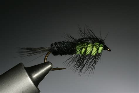 fly tying course 4 a simple nymph thefeatherbender