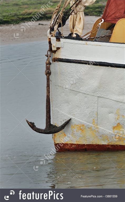 what size anchor rope for my boat picture of anchor on front of boat