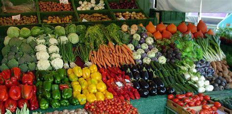 banco frutta e verdura prezzi alle stelle per frutta e verdura sar 224 colpa