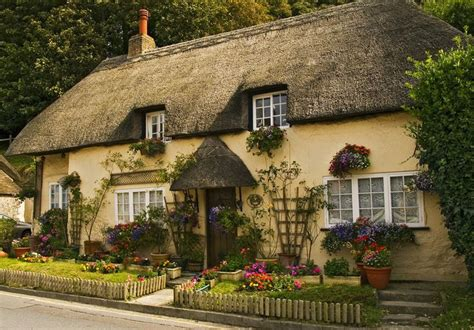 Pictures Of Cottage Homes by Pretty Thatched English Cottage Exterior Of Homes