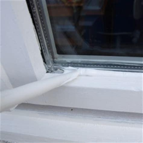 Schimmel Am Fenster Silikon by Holzfenster Streichen Fenster Lackieren Und Renovieren