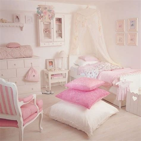 pink bedroom cushions best 25 pale pink bedrooms ideas on pinterest light 12835 | ba98c184d2a08400c43242257c5341b2 little girl rooms little girls