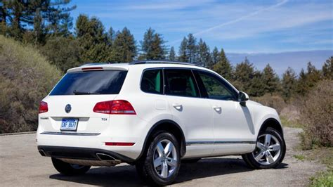 2012 volkswagen touareg tdi lux review notes the diesel is our vw touareg of choice autoweek