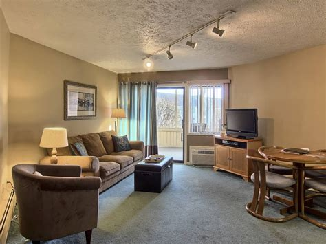 foot rests for living room beautiful suite for couples getaway vrbo