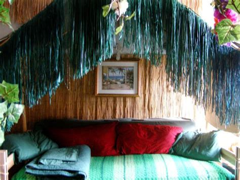 tiki themed bedroom 47 best surfer room for preteen girl with tiki valance