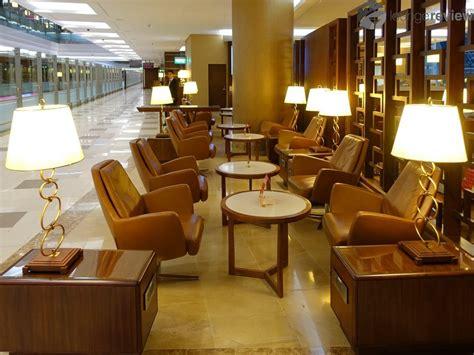 emirates lounge emirates first class lounge dubai international dxb