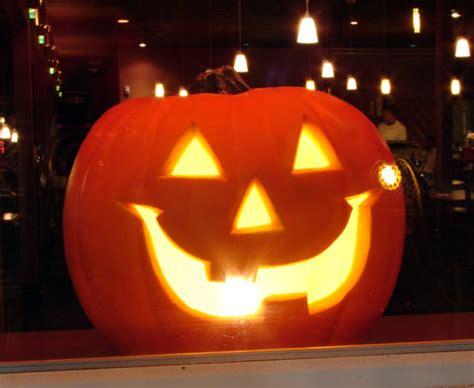 diy halloween pumpkin lights 6 fun ways to light a