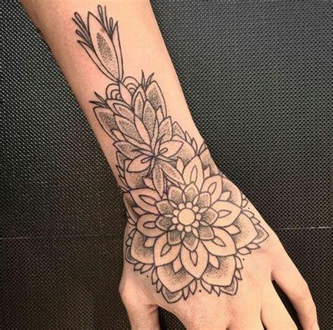 tattoo mandala en la mano tatuajes de mandalas friki net