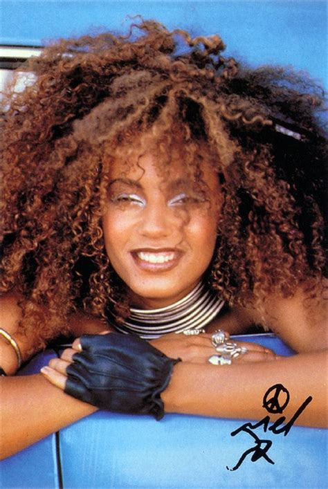 Melanie Brown Aka Scary Spice Is And See Through With Eddie Murphys Baby by 10 Best Ideas About Scary Spice Costume On